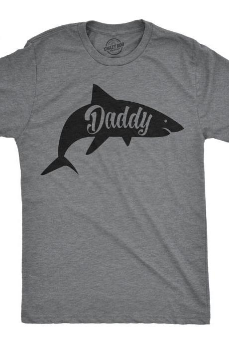 Mens Sharks T Shirt, Daddy Shark Shirt, Shark Graphic Beach Shirt Men, Summer Fish T Shirts, Shirts With Sayings, Funny Shirt